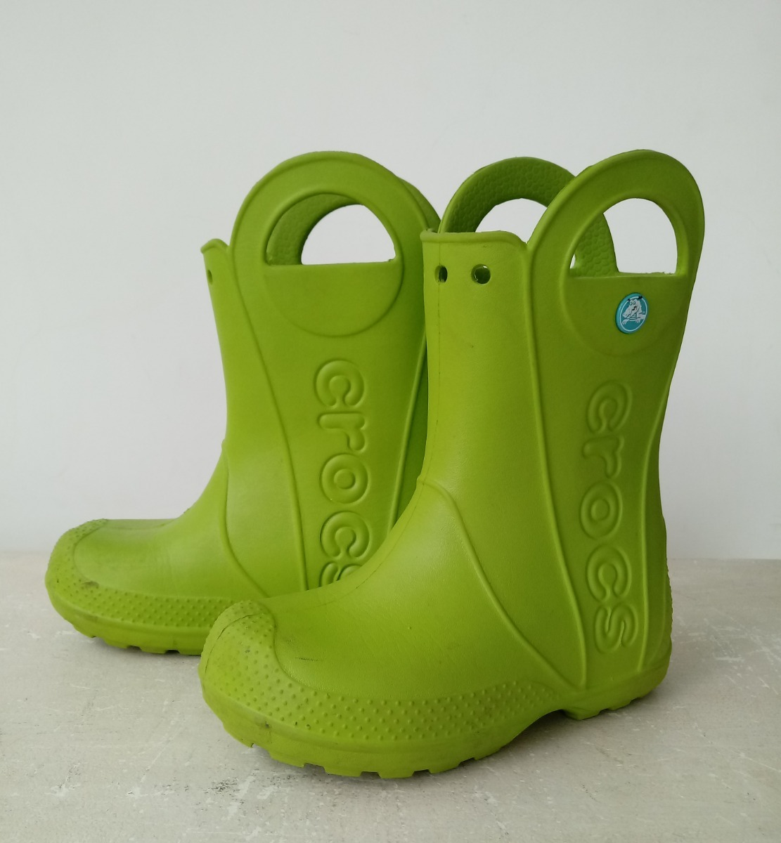 f5872f3dbba2 crocs handle it rain bota infantil - tam. 12. Carregando zoom.