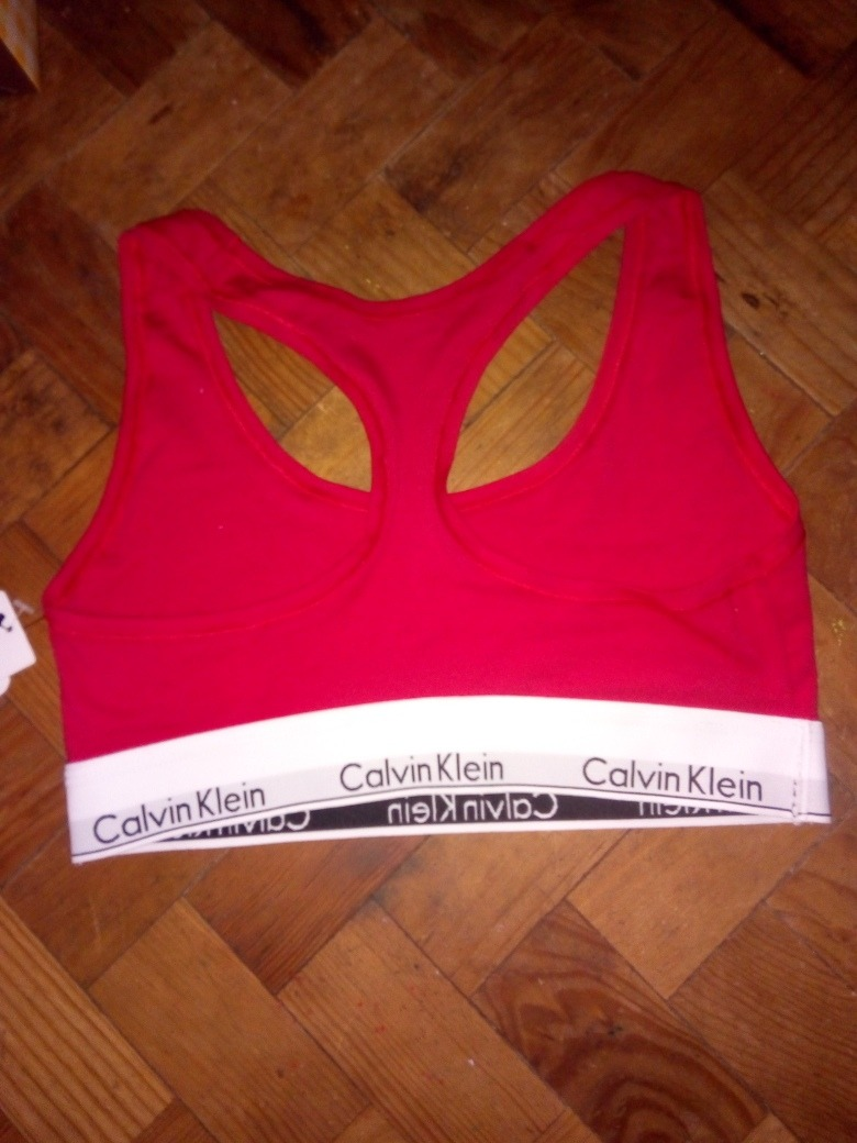 4e6a848f7 crop top deportivo casual rojo calvin klein original código. Cargando zoom.