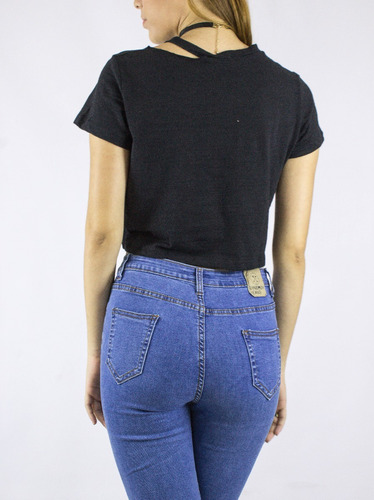 crop top synergy raw cut negra 110i