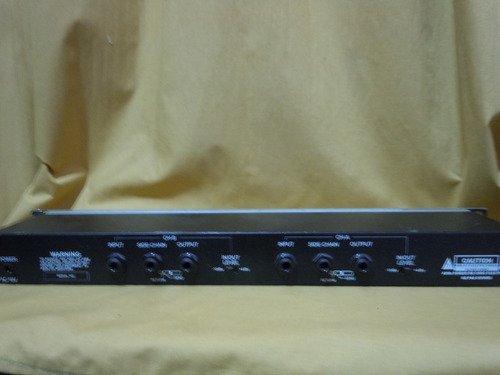 crossover phonic pcl 3200