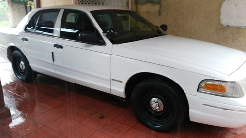 crown victoria ford