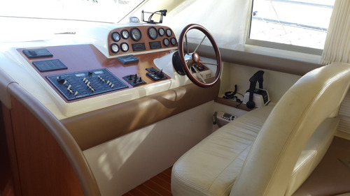 crucero custom 38 2008 - 2x230hp volvo   gatti barcos
