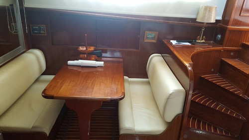 crucero hatteras 53 unico original exelente