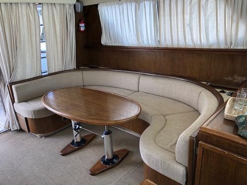 crucero meridiano 62 con 2 cummins de 800 hp linea de eje