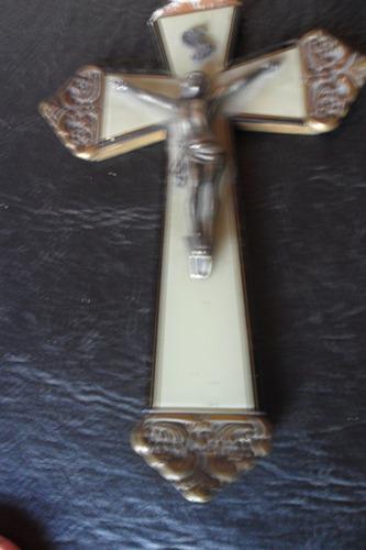 crucifijo año 1940 en nacar, bronce y alpaca