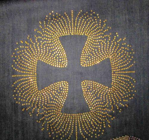 cruz calada en piedras hotfix facetadas en planchas p/ pegar