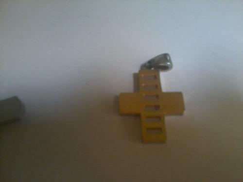 cruz de acero inoxidable cada una