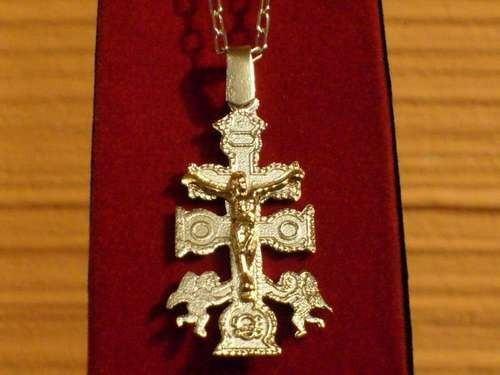 cruz de caravaca plata fina oro 18 ktes con cadena completa