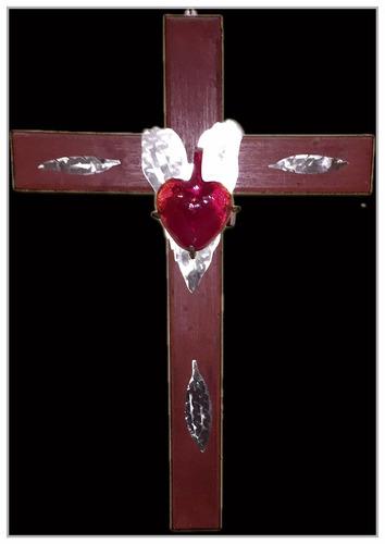 cruz de madera con aplicaciones en forja sp0