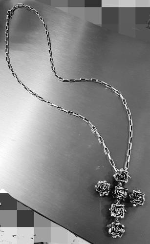 cruz de rosas de plata oxidada ley 0.925