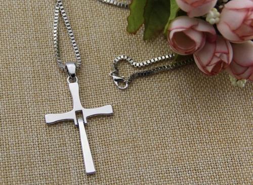 cruz de toretto dominic rapido y furioso color plata