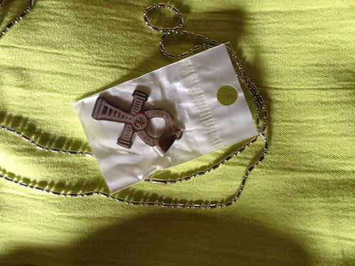 cruz egipcia- acero quirúrgico-armonizada para su dueño