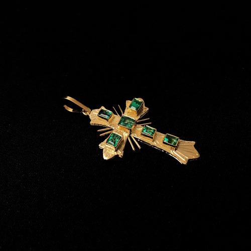 cruz en oro 18 k y esmeraldas naturales