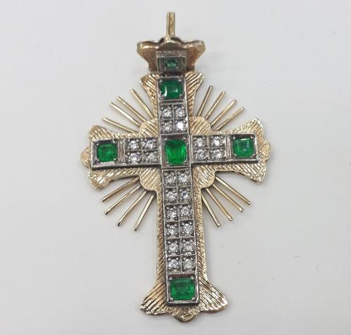 cruz en oro con esmeralda y diamante joyeria greenworld