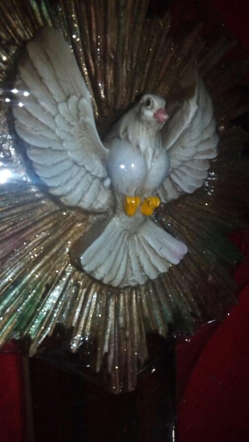 Cruz Espiritú Santo Figura De Resina 51 X 30 Cm 59500 En