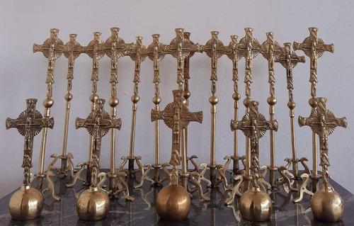 cruz para celebração doméstica de laudes