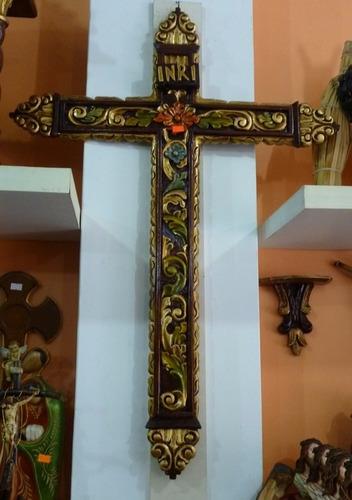 cruz tallada
