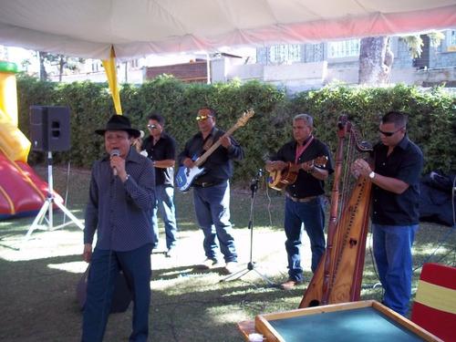 cruz tenepe y su grupo de musica llanera