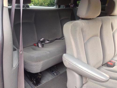 crysler caravan 2005