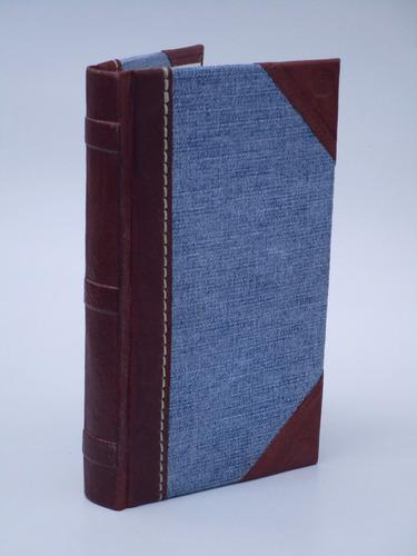 cuaderno artesanal de tapas duras en tela denim y cuero