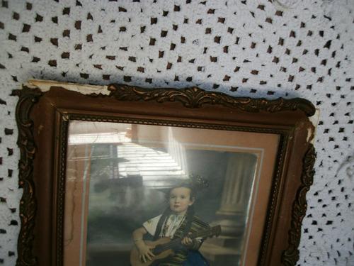 cuadro antiguo marco en yeso.foto antigua. cuadro. marco.