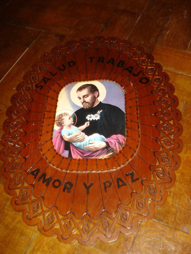 cuadro artesanal de san cayetano realizado en madera