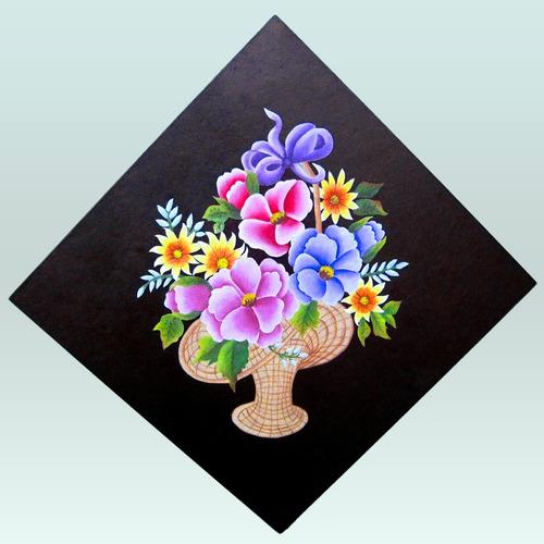cuadro de canasta con flores hecho con la técnica still-life