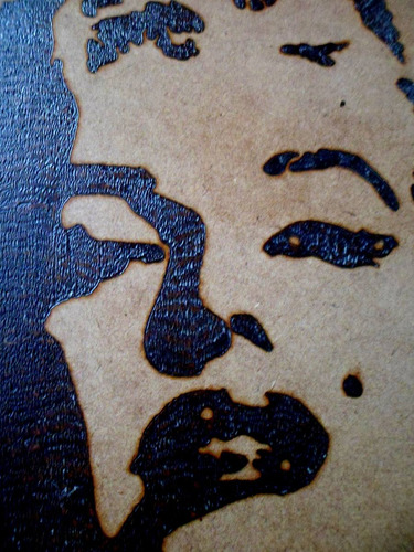 cuadro de marilyn y elvis, pirograbado en madera mdf, 41x30
