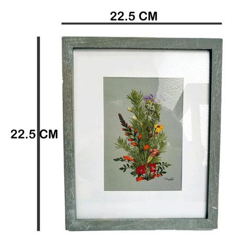 cuadro decorativo. arte hecho con flores silvestres.