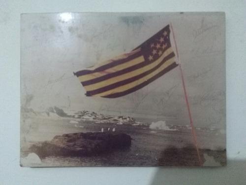 cuadro en la artantida con la bandera de peñarol año 1987