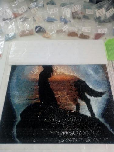 cuadro mosaico ya hecho lobo en la colina con mujer