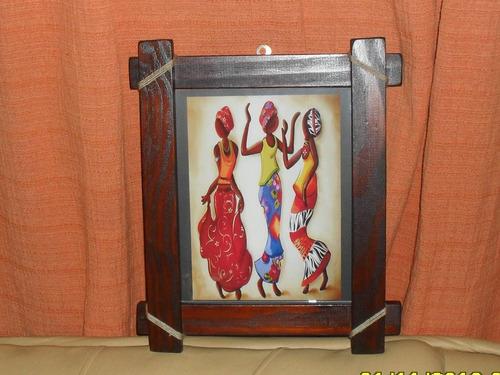 cuadros portarretratos y marcos artesanales en madera