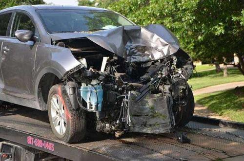 cualquiera auto dado de baja roto o averiado