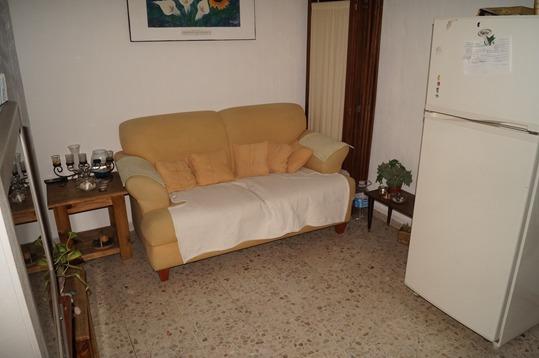 cuarto amueblado - baño con jacuzzi  pilares