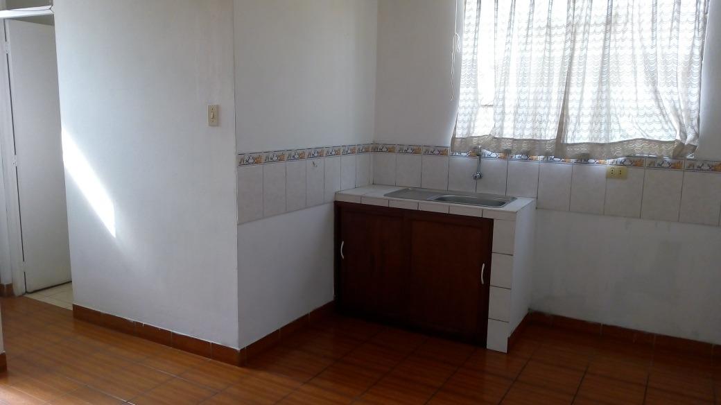 cuartos anplios con baño san martin de porres