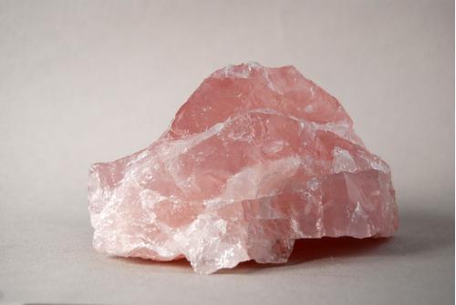 cuarzo rosa en bruto mediano