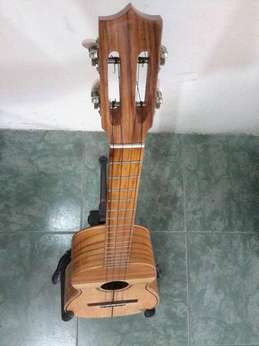 cuatro de concierto madera de teca