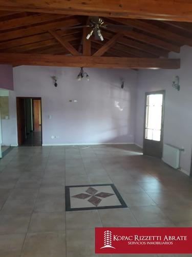 cuatro hojas (mendiolaza) - venta casa 4 dormitorios
