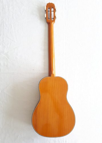 cuatro venezolano larense cedro de 17 trastes- datemusica