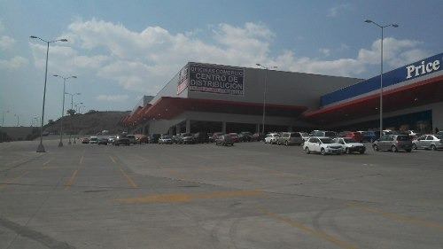 cuautitlán * local en plaza comercial divisible * 4,300 m2