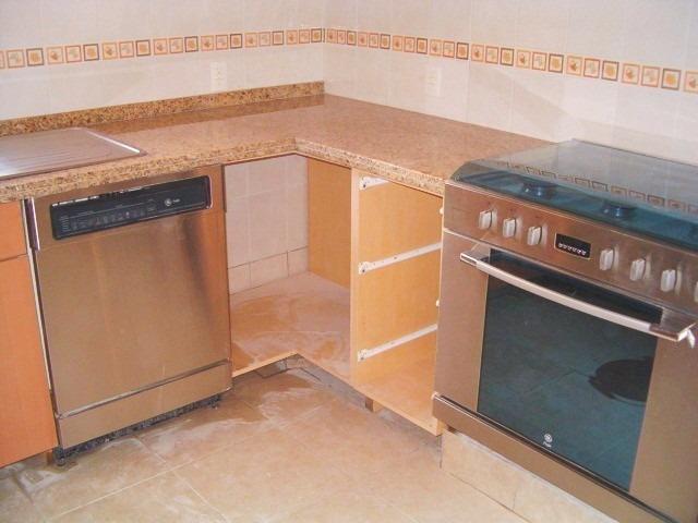 Cubiertas de cocina barras ba os sobre medida en granito for Informacion sobre el granito