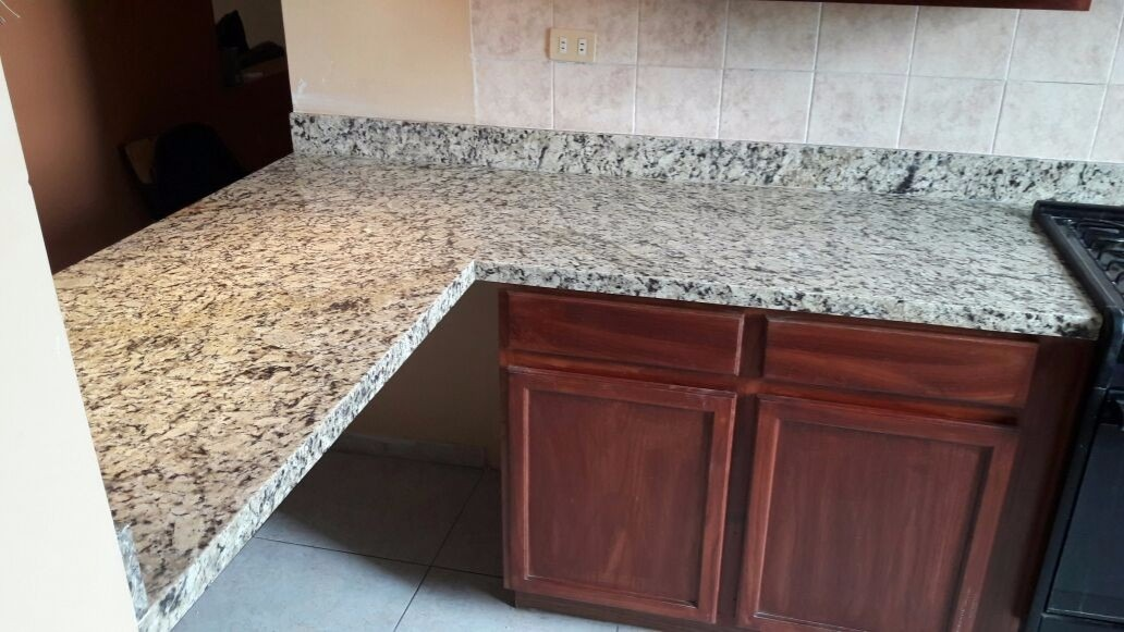 Cubiertas de cocina lavabos marmol y granito 3 for Marmol de cocina precio