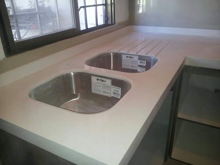 Cubiertas de marmol y granito cuarzo silistone for Cubiertas de marmol y granito