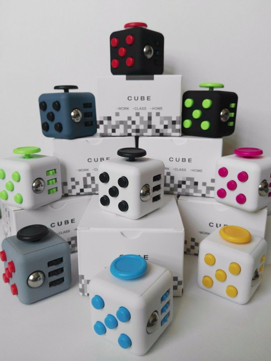 Cubo Anti Estres Fidget Cube Mod Retro Gris Con Rojo