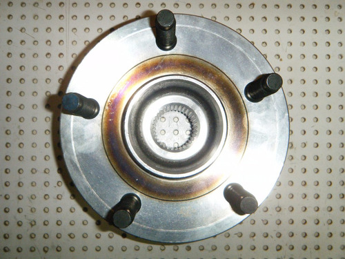 cubo de roda dianteira- dakota 97/.... s/abs
