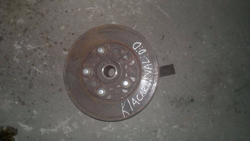 cubo de roda dianteiro direito kia carnival 2001