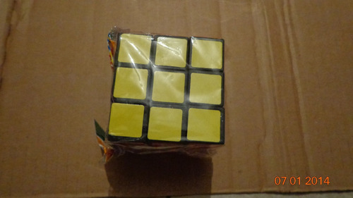 cubos magicos são 02 cubos