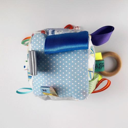 cubos sensoriales bebé con sonajero