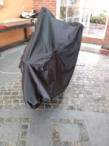cubre motos en pvc con base de felpa talle grande -carfun-