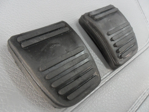 cubre pedal de freno y embrague ford sierra 104098